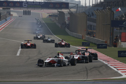 Marvin Kirchhofer, ART Grand Prix, leads Esteban Ocon, ART Grand Prix and Luca Ghiotto, Trident