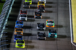 Start: Matt Crafton, Thorsport Racing leads the field