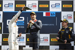 Race 2 Podium: second place Stoffel Vandoorne, ART Grand Prix and winner Mitch Evans, RUSSIAN TIME and third place Alex Lynn, DAMS