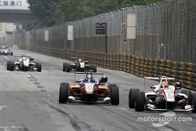 Santino Ferrucci, Mücke Motorsport Dallara Mercedes-Benz and Arjun Maini, Three Bond with T-Sport Da