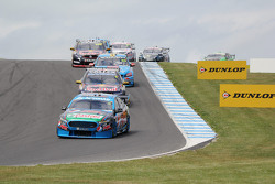 Start action: Mark Winterbottom, Prodrive Racing Australia, Ford