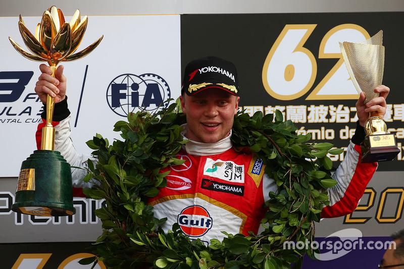 Podium: 1. Felix Rosenqvist, Prema Powerteam, Dallara Mercedes-Benz