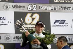 Podium: tweede plaats Charles Leclerc, Van Amersfoort Racing