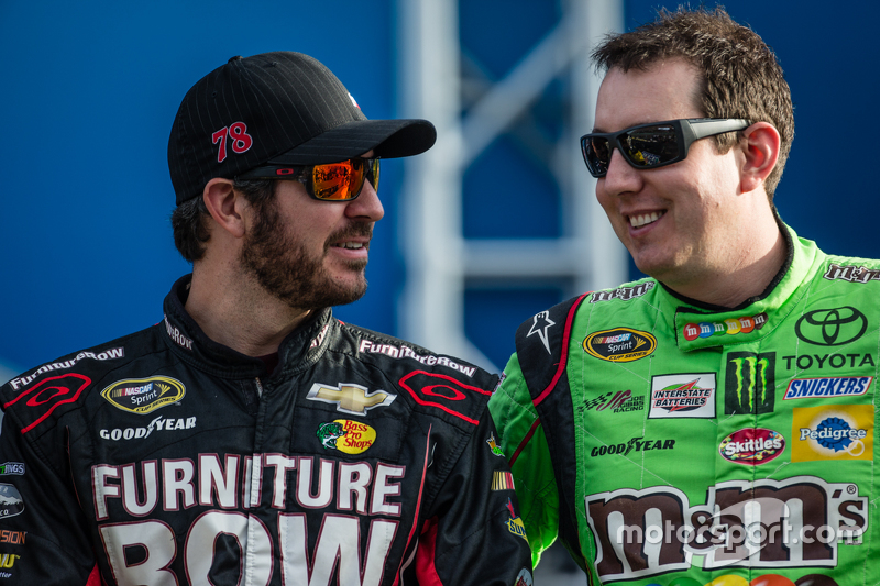 Martin Truex Jr., Furniture Row Racing Chevrolet; Kyle Busch, Joe Gibbs Racing Toyota