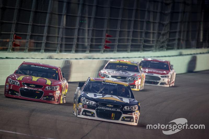 Ryan Newman, Richard Childress Racing Chevrolet; Jamie McMurray, Chip Ganassi Racing Chevrolet