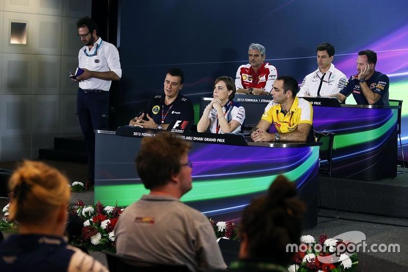 FIA-Pressekonferenz: Maurizio Arrivabene, Ferrari-Teamchef; Toto Wolff, Mercedes-Sportchef; Christia