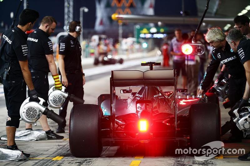 Nico Rosberg, Mercedes AMG F1 W06, in der Box
