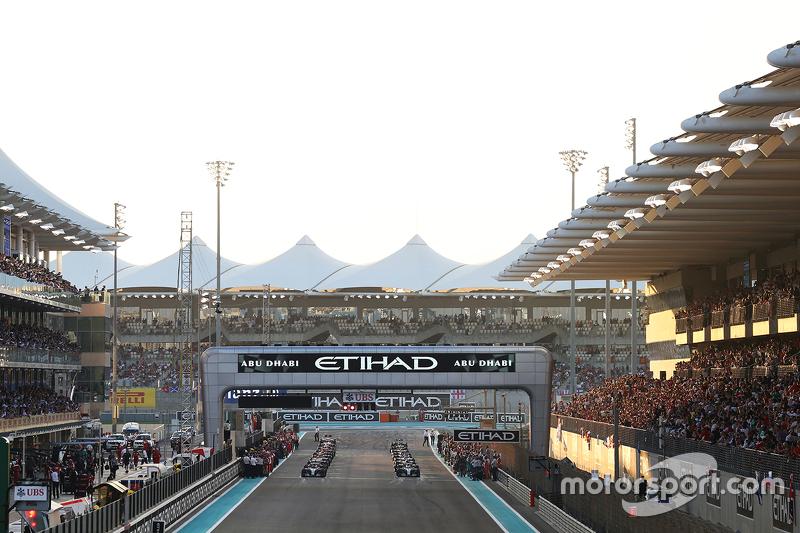 Ніко Росберг, Mercedes AMG F1 W06 на поулі під час формовочного кола