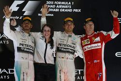 Tweede plaats Lewis Hamilton, Mercedes AMG F1 Team, race winnaar Nico Rosberg, Mercedes AMG F1 Team, derde plaats Kimi Raikkonen, Ferrari