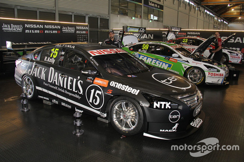 Rick Kelly, Nissan Motorsports and James Moffat, Nissan Motorsports