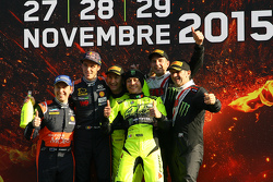 Podio: i vincitori Valentino Rossi and Carlo Cassina, Ford Fiesta, secondi Thierry Neuville and Juli