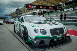 #9 Bentley Team M-Sport Bentley Continental GT3: Guy Smith, Vincent Abril, Steven Kane