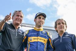 Жан-Поль Друа, победитель гонки - Себастьян Буэми и Ален Прост, Renault e.Dams