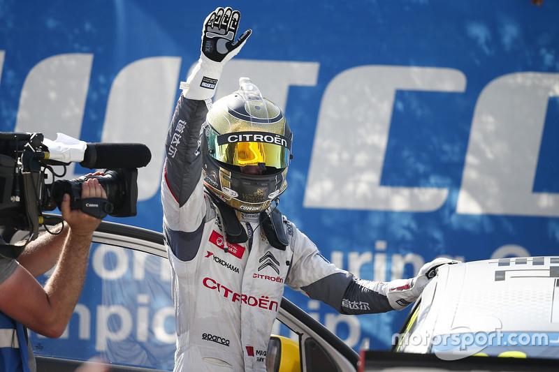 Race winner Ma Qing Hua, Citroën C-Elysée WTCC, Citroën World Touring Car team