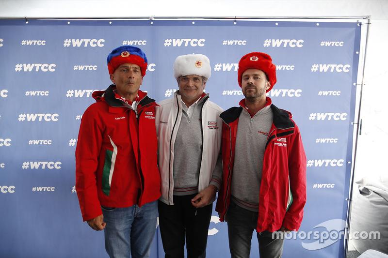Tiago Monteiro, Honda Civic WTCC, Honda Racing Team JAS dan Gabriele Tarquini, Honda Civic WTCC, Honda Racing Team JAS