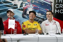 Прес-конференція: Хосе Марія Лопес, Citroën C-Elysee WTCC, Citroën World Touring Car team, Роб Хафф, Lada Vesta WTCC, Lada Sport Rosneft, Норберт Міцеліс, Honda Civic WTCC, Zengo Motorsport