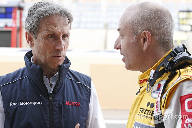 Roberto Ravaglia, team manager Roal Motorsport with Tom Coronel, Chevrolet RML Cruze TC1, ROAL Motor