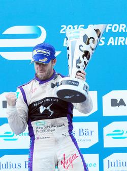 Подиум: аобедитель - Сэм Берд, DS Virgin Racing Formula E Team