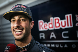 Даниэль Риккардо, Red Bull Racing со СМИ