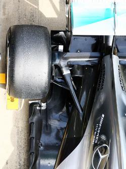 Mercedes AMG F1 W07 Hybrid rear suspension detail