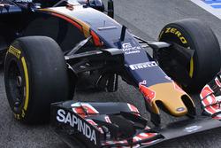 Передняя часть машины Scuderia Toro Rosso STR11