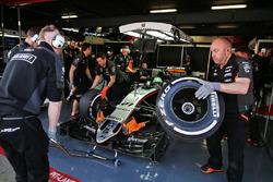 Нико Хюлькенберг, Sahara Force India F1 VJM09 в гараже