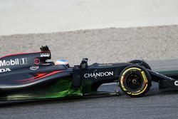 Фернандо Алонсо, McLaren MP4-31 с аэрокраской на боковинах