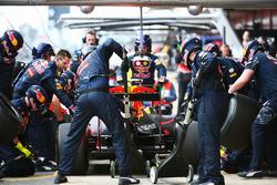 Daniel Ricciardo, Red Bull Racing RB12, prove di pit stop