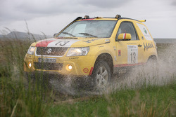 #13 Suzuki / Maxi Suzuki Grand Vitara 3D DDiS: Melina Frey and Alexandra Hahn