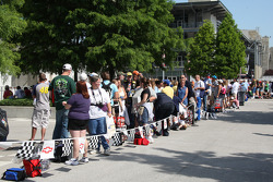 Fans line up for an autograph session