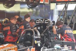 FRAM Top Fuel Crew at work