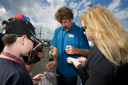 Boris Said signs autographs