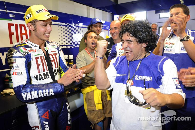 Valentino Rossi con Diego Armando Maradona