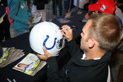 Autograph session: Ed Carpenter