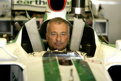 Риккардо Патрезе за рулем Honda RA107