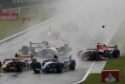 Accidente de Javier Villa, Racing Engineering, Vitaly Petrov, Campos Grand Prix y Andreas Zuber Piquet Sport