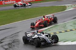 Nico Rosberg, WilliamsF1 Team, FW30 leads Felipe Massa, Scuderia Ferrari, F2008