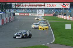 Start: #61 Strakka Racing Aston Martin DBR9: Nick Leventis, Peter Hardman, Darren Turner