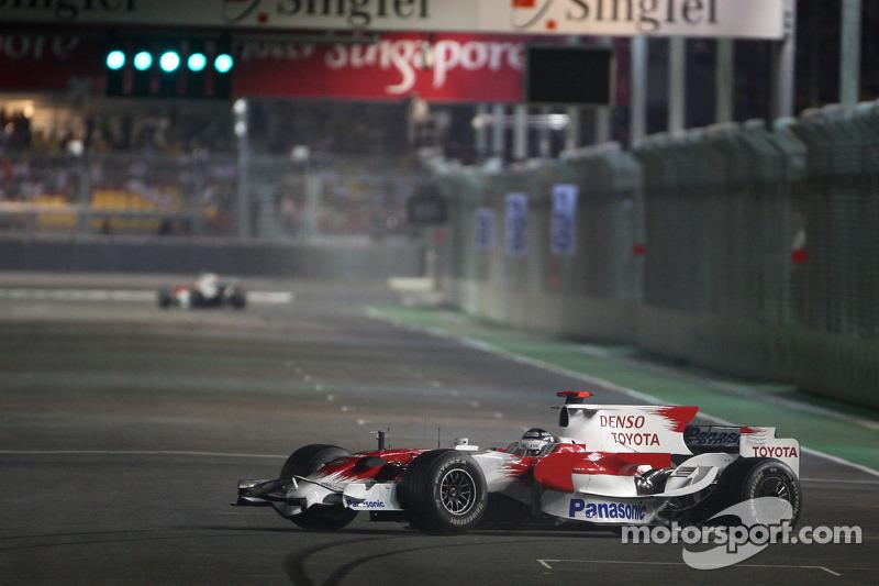 Dreher: Jarno Trulli, Toyota Racing, TF108