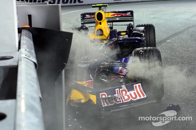 The wrecked RB4 of Mark Webber