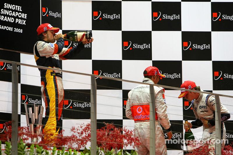 Podium: Sieger Fernando Alonso; 2. Nico Rosberg; 3. Lewis Hamilton