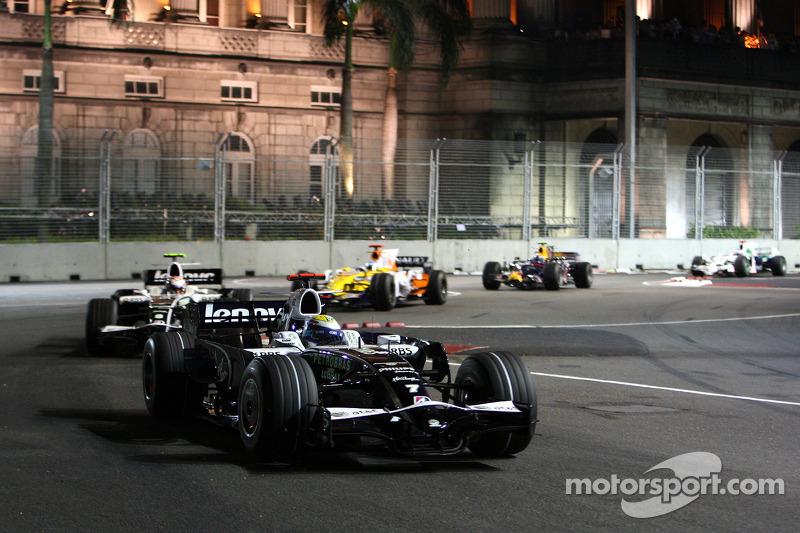 Nico Rosberg, WilliamsF1 Team, FW30; Kazuki Nakajima, Williams F1 Team, FW30