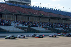 Start: James Buescher takes the lead in front of Tom Hessert III