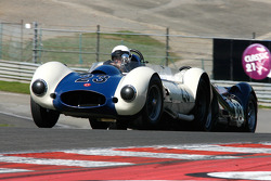 #23 Julian Mazub, Sadler MkIII; #38 Barry Wood, and Tony Wood, Lister-Jaguar Knobbly