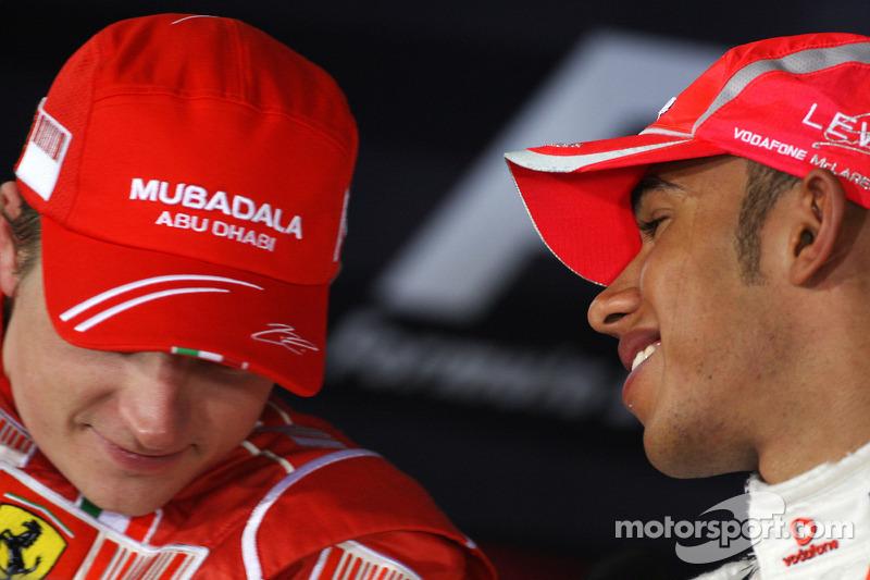 Conferencia de prensa de la FIA: Ganador de la pole Lewis Hamilton y el segundo puesto Kimi Raikkonen