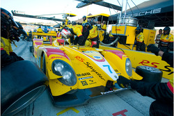 Pit stop for #7 Penske Racing Porsche RS Spyder: Romain Dumas, Timo Bernhard