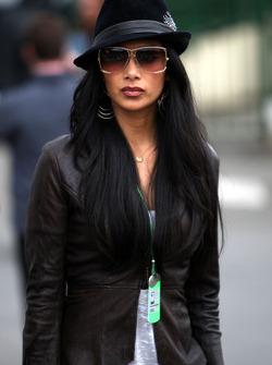 Nicole Scherzinger, Singer in the Pussycat Dolls, girlfriend of Lewis Hamilton, McLaren Mercedes