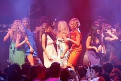 End of season party, Memorial da America Latina: a showact