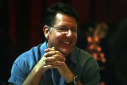 Johnny Benson, champion NASCAR Craftsman Truck Series 2008 rit durant un repas de presse le lundi au Council Oak Restaurant au Seminole Hard Rock Hotel & Casino