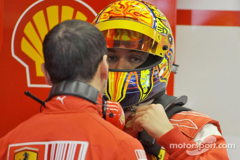 Valentino Rossi prueba con Ferrari en 2008